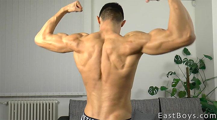 Jared Shaw – Part 1 – Workout & Posing