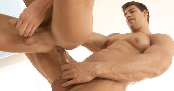 Kris Evans Barebacks Raphael Nyon