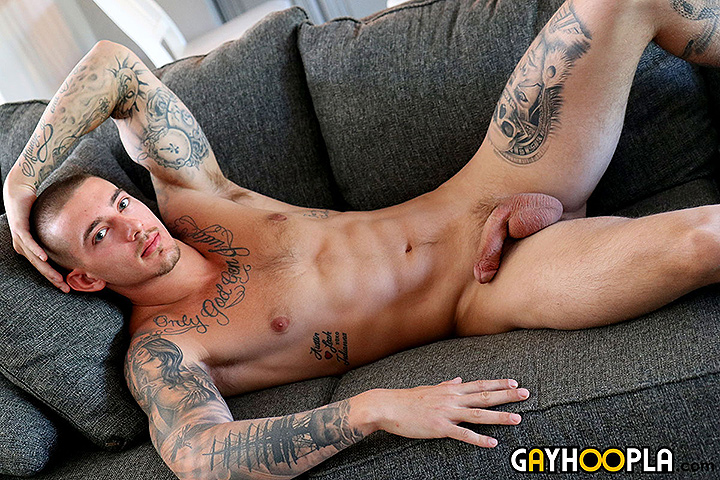 Big Dick Tatted Stud John Murphy Jerks Off