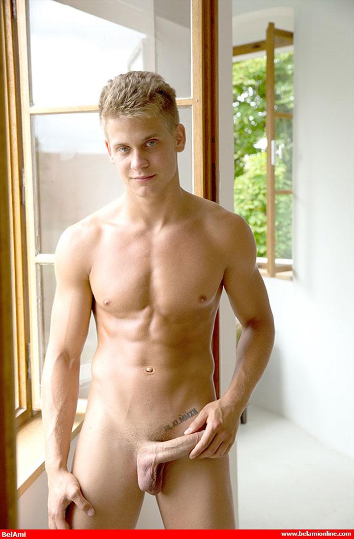 Model Of The Week: Mark Sullivan