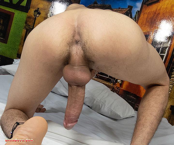 LatinBoyz: Hung Colombian Boy Shorty