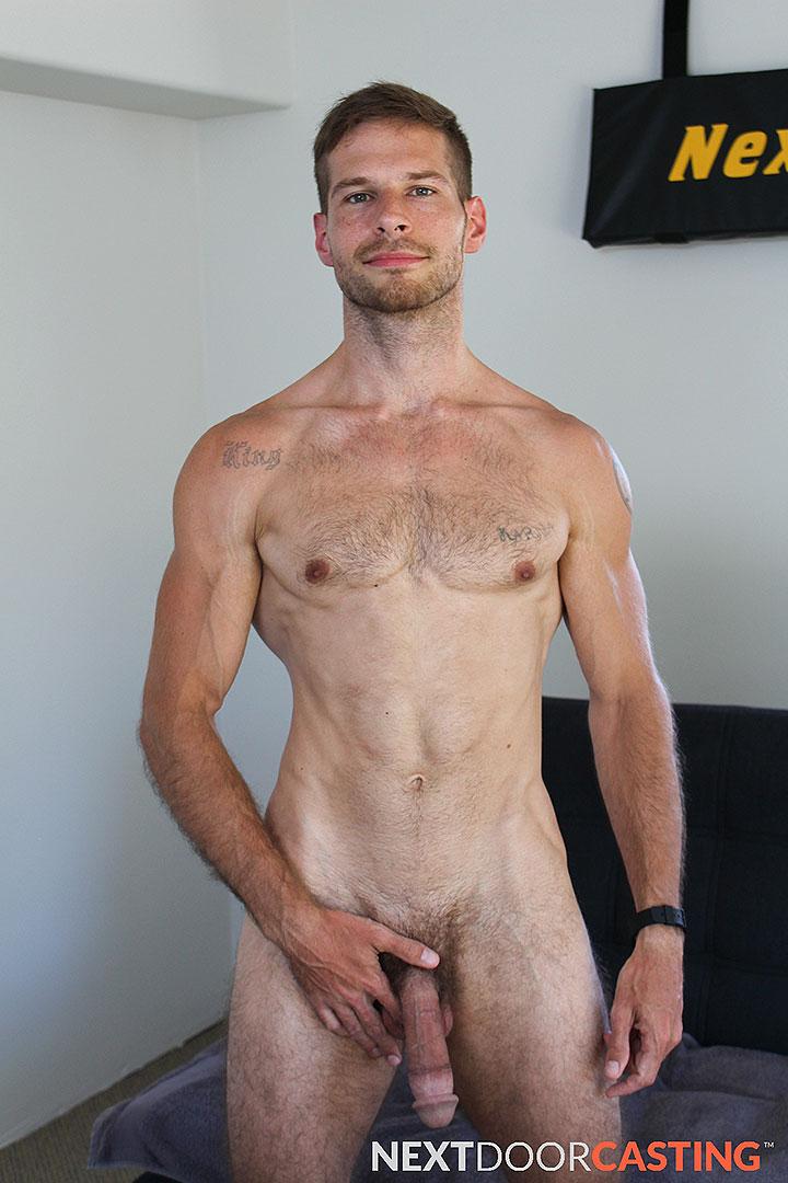 Nackt Syron  Naked